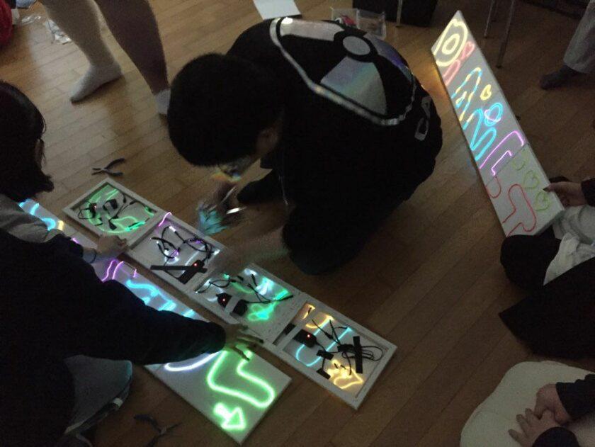 team neon sign 3 | 이너트립